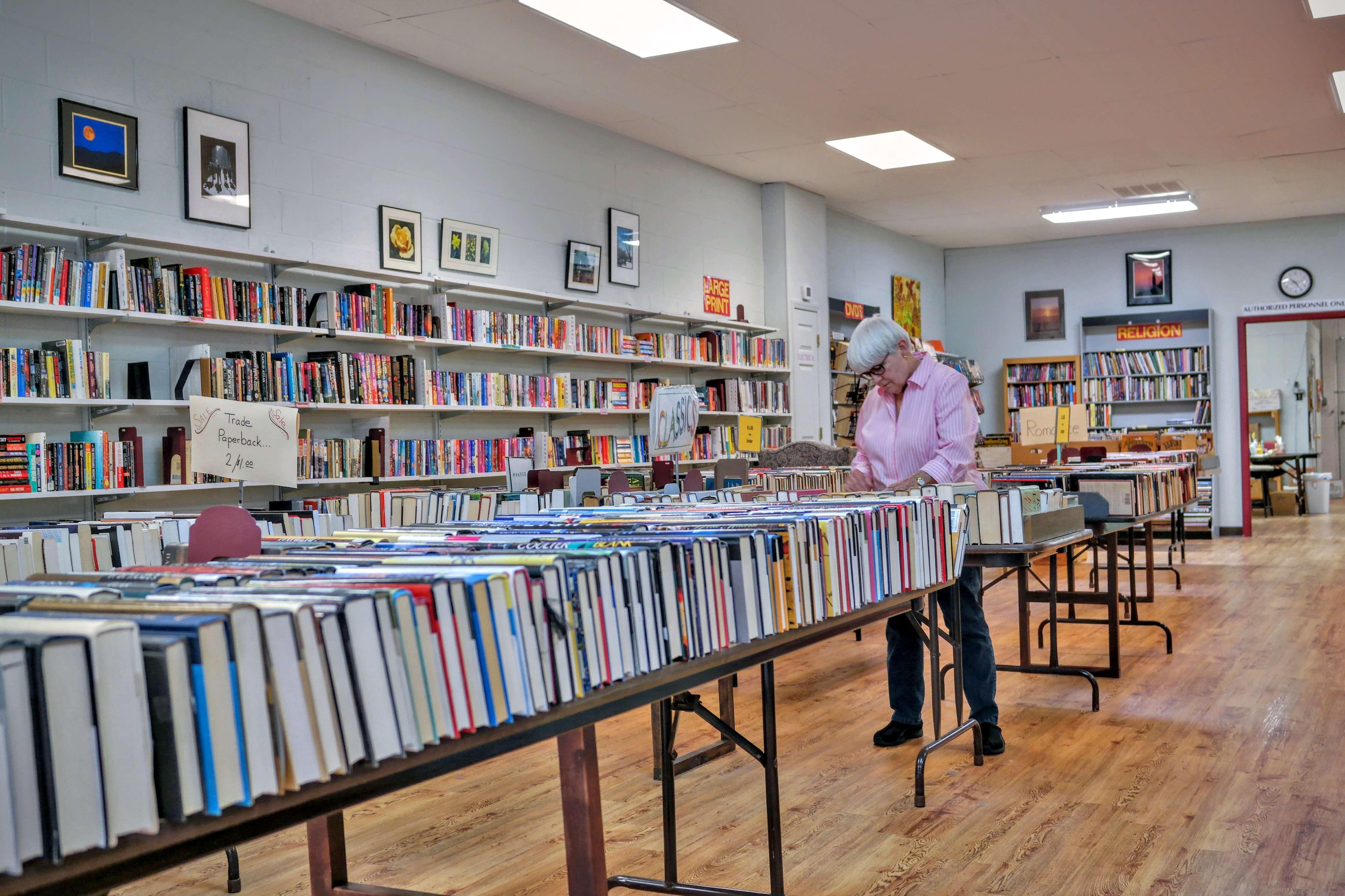 fol-bookstore-7